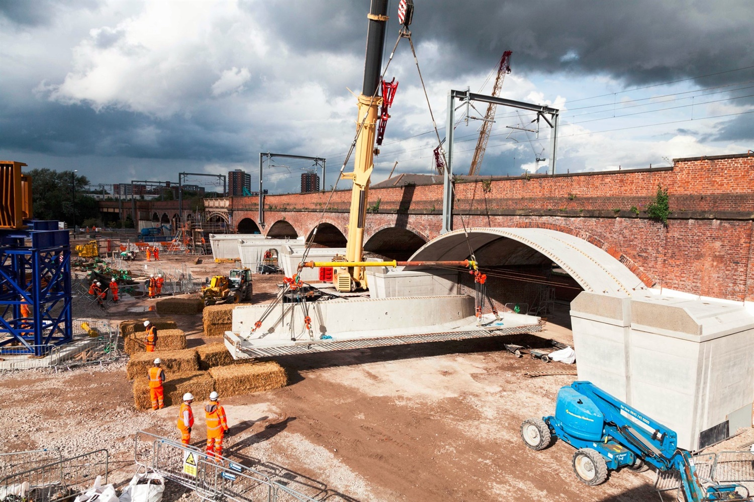 NR promises Manchester airport services via Ordsall Chord by end of 2017