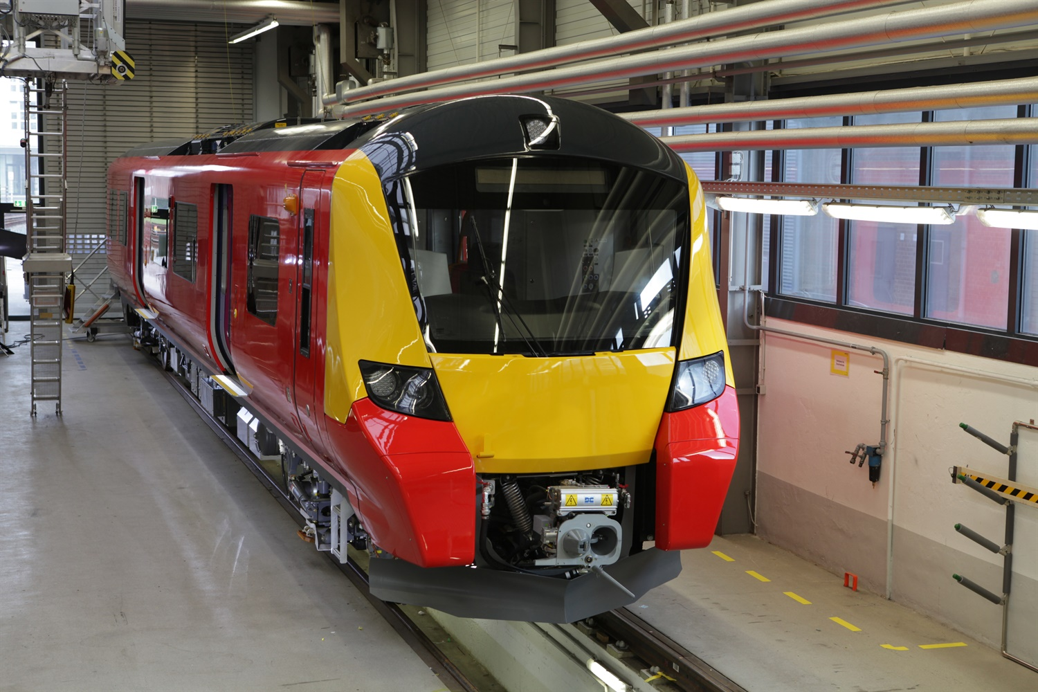 RMT slams 'crazy' First MTR decision to drop new £200m SWT trains