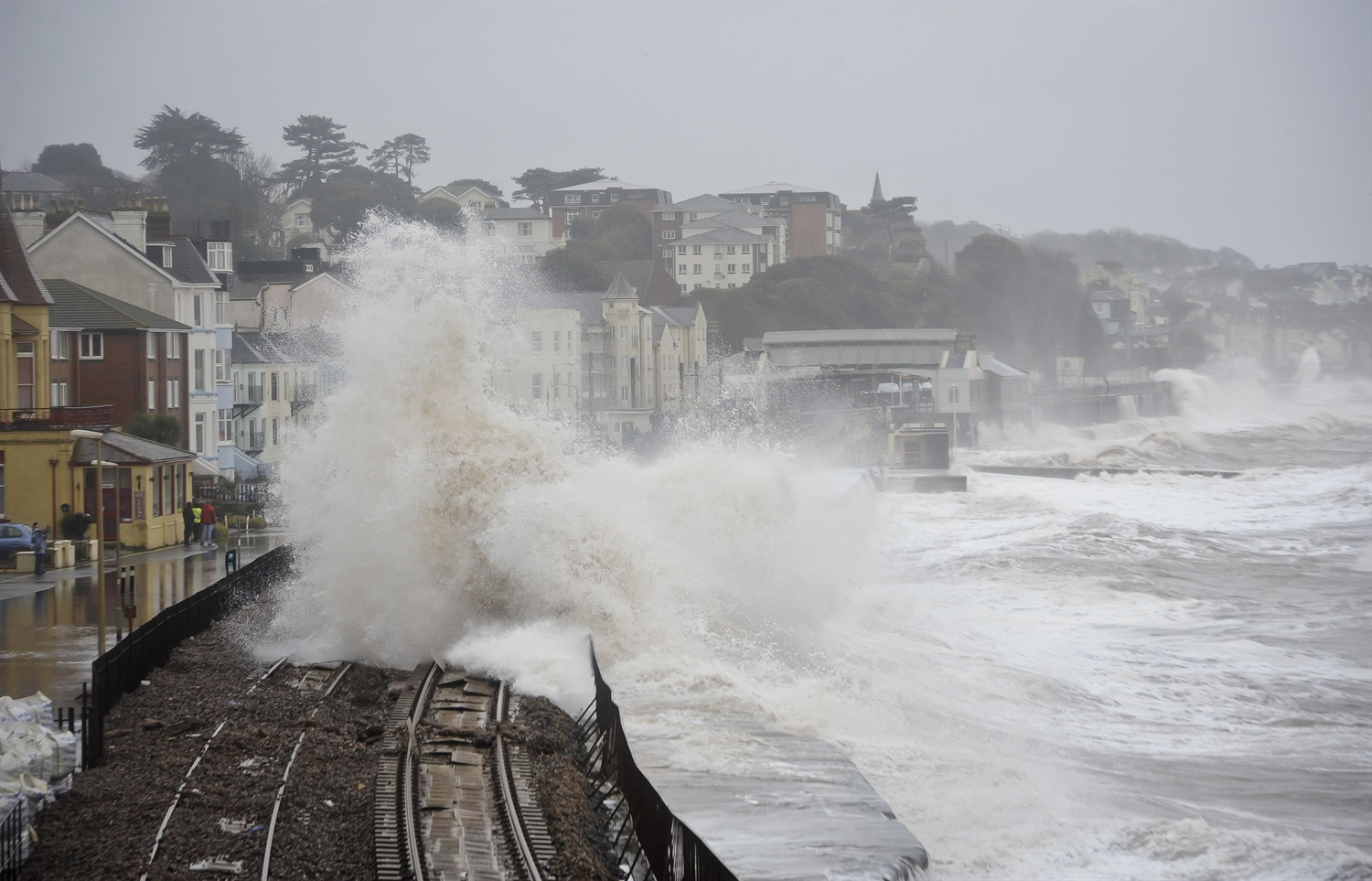 Dawlish sea wall gets council planning approval with construction to begin in May