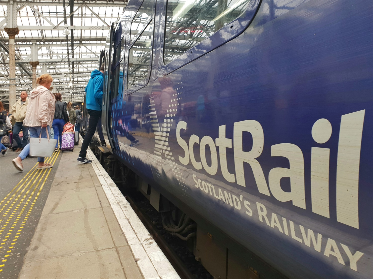 Labour call for renationalisation ahead of Scottish Parliament vote on ScotRail contract