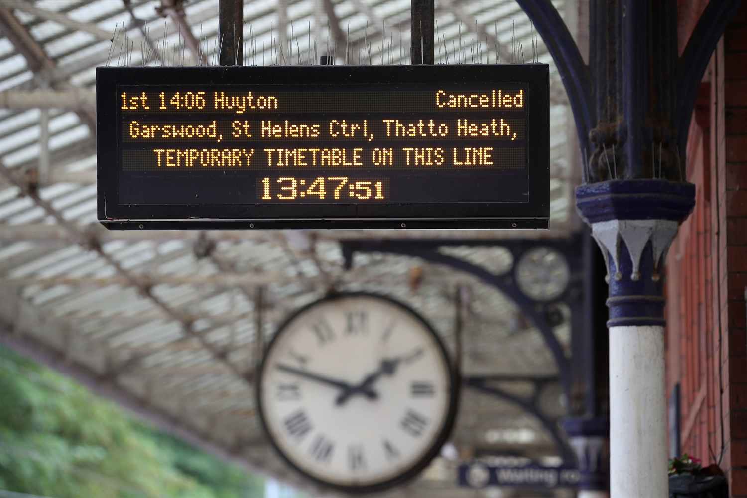 'Still too many' delays and cancellations, despite interim Northern timetable