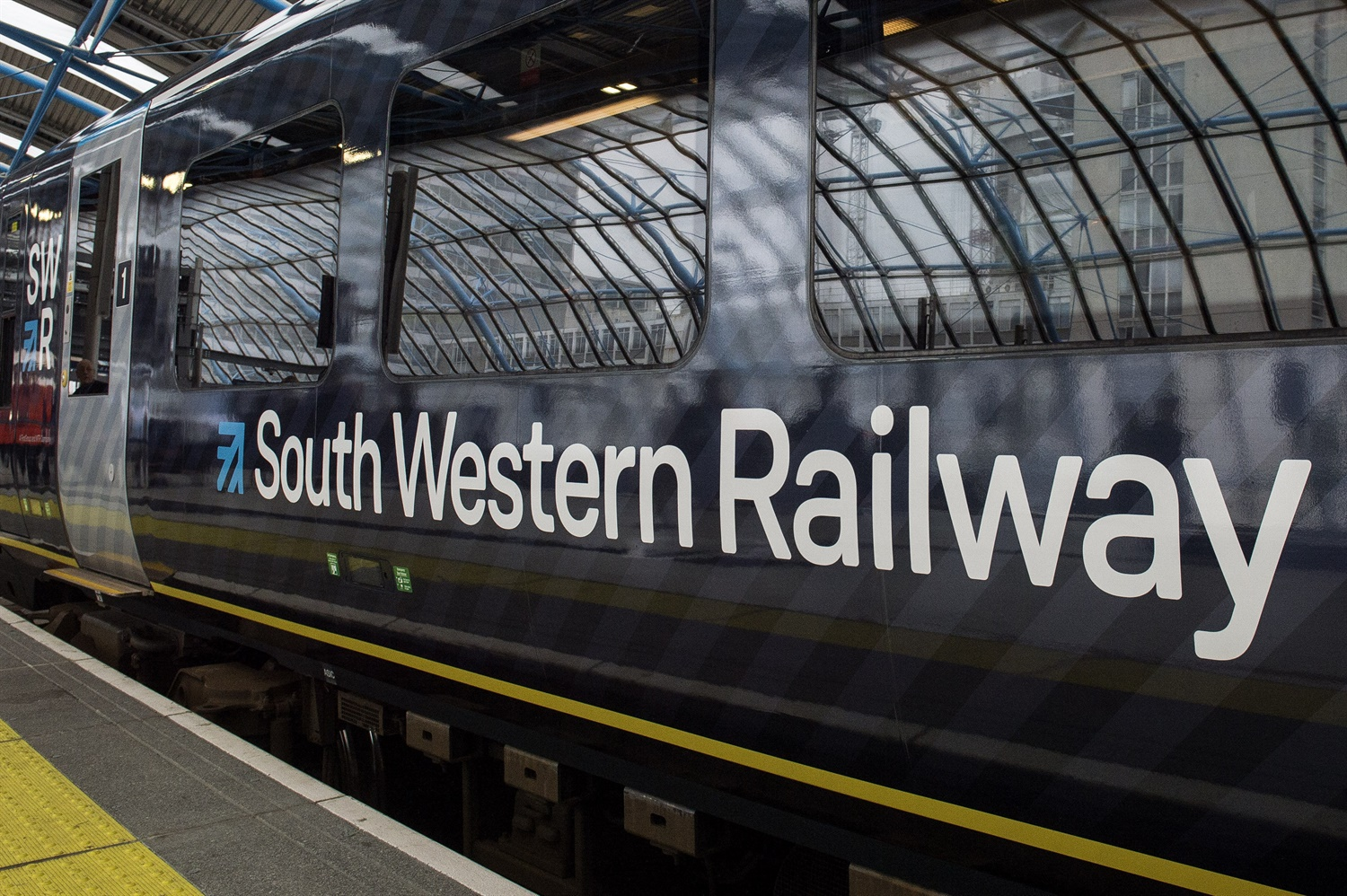Probe launched into SWR and NR performance