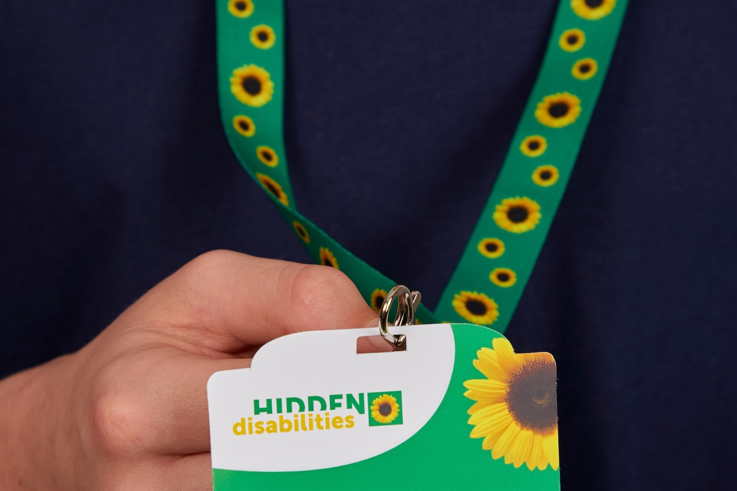 All of Britain's rail companies to adopt Sunflower lanyard scheme