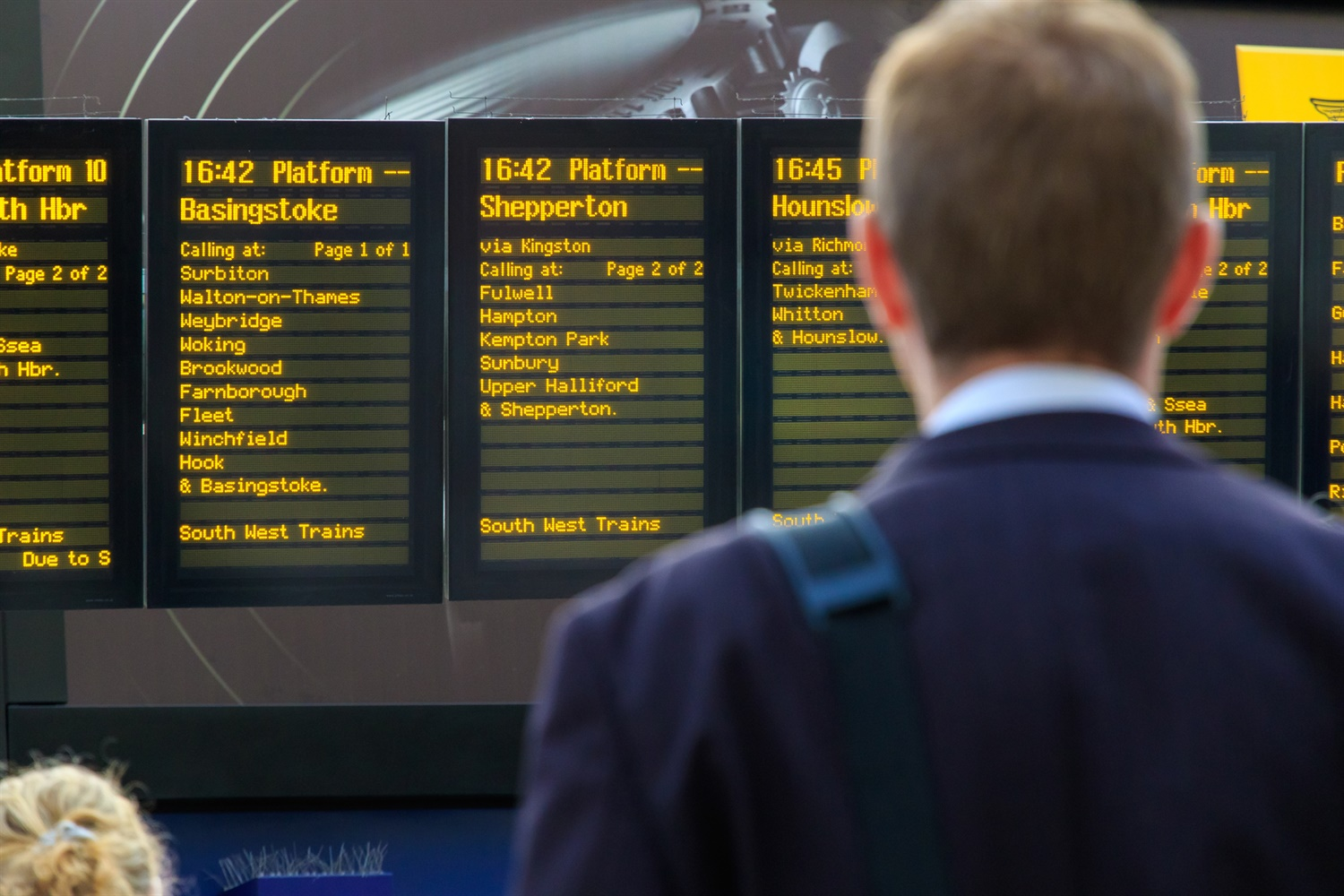 TOCs still not doing enough to keep customers informed of timetable changes